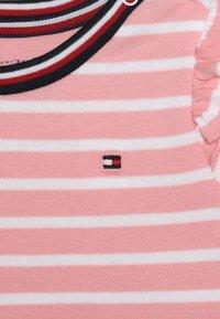 Tommy Hilfiger - BABY RUGBY STRIPE GIFTPACK SET - Foulard - pink icing - 4