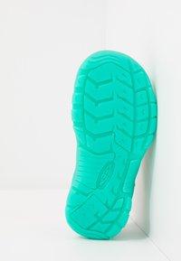 Keen - NEWPORT H2 - Walking sandals - cockatoo/coral - 5