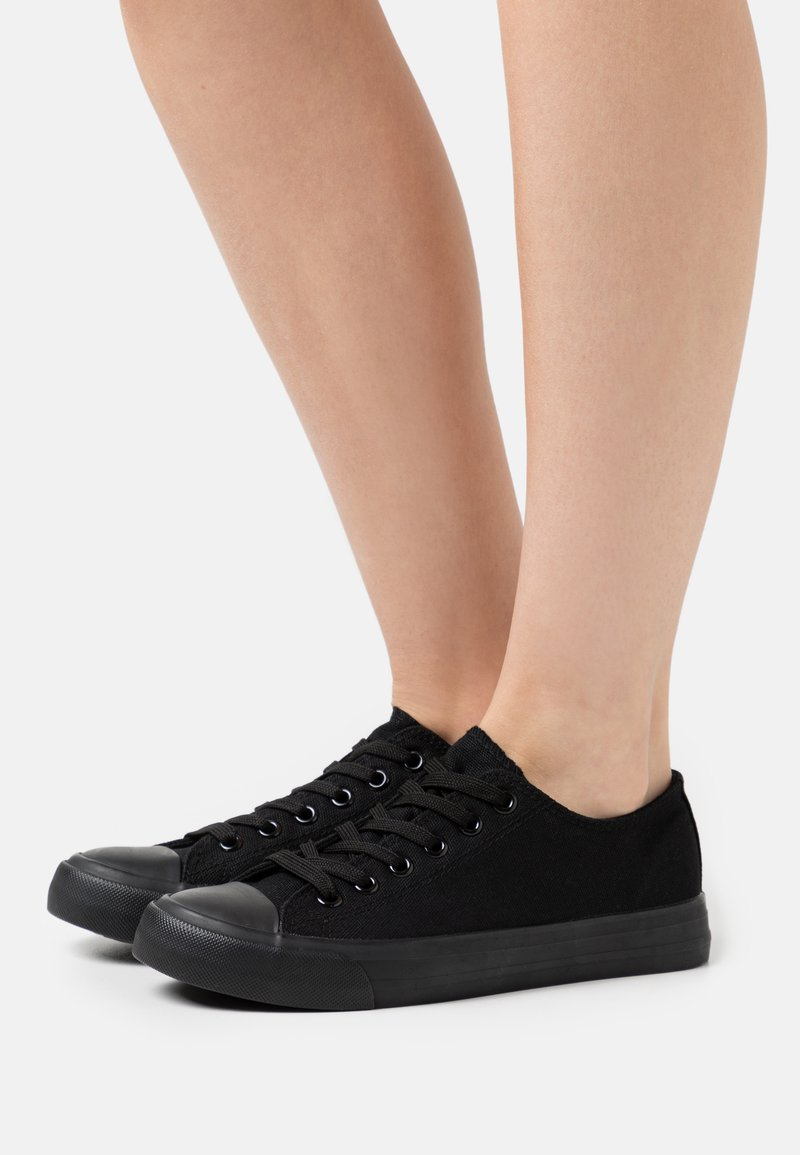Dorothy Perkins - ICON TRAINER - Baskets basses - black