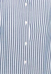 GAP - SHIRRED - Button-down blouse - blue - 2