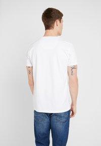 Petrol Industries - T-shirt med print - bright white - 2