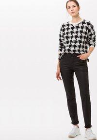 BRAX - STYLE SHAKIRA - Jeans Skinny Fit - clean black - 1