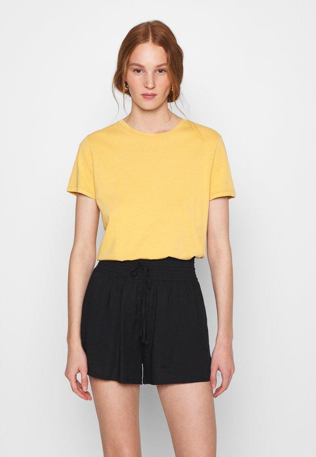 VEGIFLOWER - Basic T-shirt - cumin