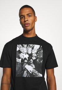 Chi Modu - DONNA BILL - Print T-shirt - black - 4