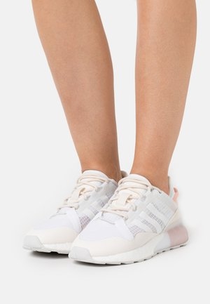 ZX 2K BOOST PURE  - Sneakersy niskie - core white/grey one/chalk white