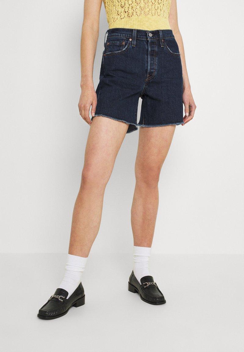 Levi's® - 501® MID THIGH SHORT - Denim shorts - salsa center