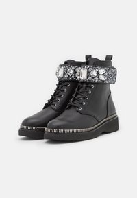 MICHAEL Michael Kors - HASKELL BOOT - Lace-up ankle boots - black - 2