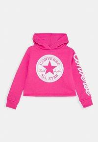 Converse - CHUCK PATCH CROPPED HOODIE - Felpa con cappuccio - pink - 0