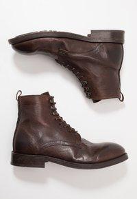 Hudson London - YEW - Šněrovací kotníkové boty - brown - 1