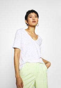 Rich & Royal - HEAVY - Basic T-shirt - white - 3