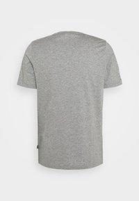 Puma - EMBROIDERY LOGO TEE - T-shirts basic - medium gray heather - 5