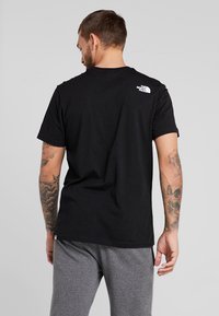 The North Face - MENS SIMPLE DOME TEE - Basic T-shirt - black - 2