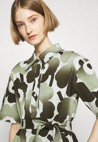 Marimekko - HEINIKKÖ PIENI UNIKKO DRESS - Shirt dress - green/dark green - 4