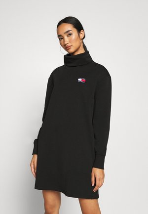 BADGE MOCK NECK DRESS - Vapaa-ajan mekko - black