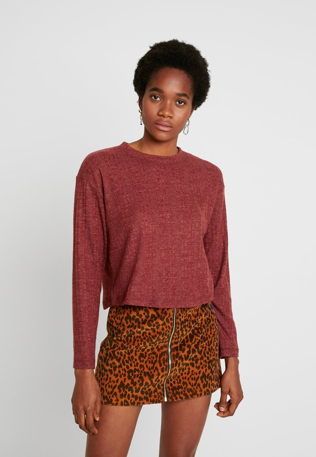 SPLIT BACK CUT AND SEW - Long sleeved top - rust