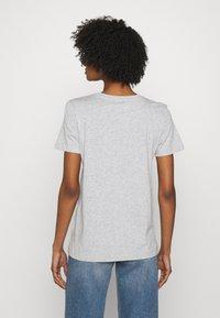 DKNY - FOUNDATION LOGO TEE - Print T-shirt - heather grey - 2
