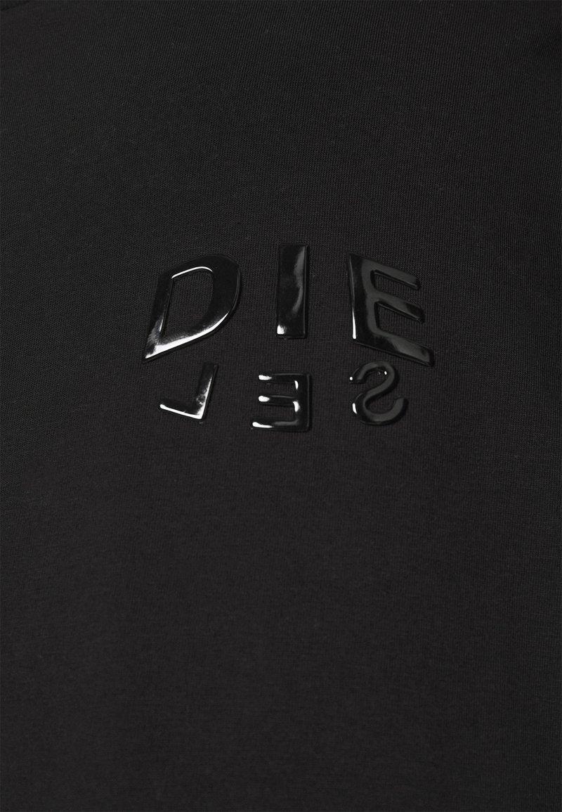 Diesel - T-JUST-SLITS-A30 MAGLIETTA UNISEX - Print T-shirt - black/black