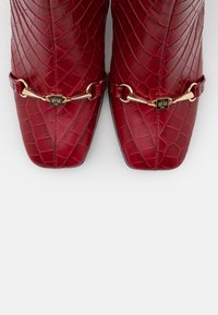 Högl - Classic ankle boots - cherry - 5
