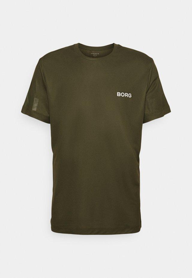 TRAINING TEE - Treningsskjorter - ivy green