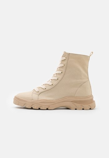 VMMALIA HIGHTOP  - Lace-up ankle boots - nude