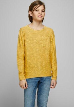 RUNDHALSAUSSCHNITT - Jersey de punto - yolk yellow