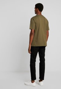 Benetton - T-shirt z nadrukiem - olive - 2