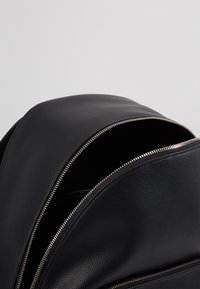 Calvin Klein Jeans - MICRO PEBBLE CAMPUS  - Rucksack - black - 5