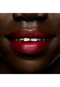 MAC - LIPSTICK - Lipstick - a rose in harlem - 2