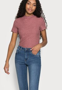 Vero Moda Petite - VMTANYA PIPING - Jeans Skinny Fit - medium blue denim - 3