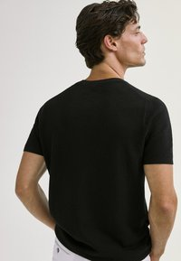 Massimo Dutti - Basic T-shirt - black - 1