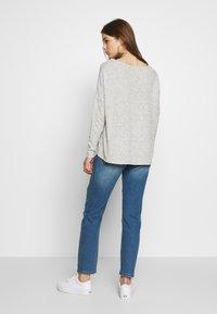 JDY - JDYTYSON LIFE GIRLFRIEND - Relaxed fit jeans - light blue denim - 2