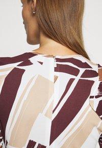 Bally - PRINTED DRESS - Sukienka z dżerseju - white/brown - 3