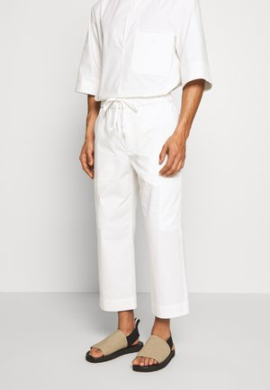 WASHED POPLIN CROPPED PANT - Stoffhose - offwhite
