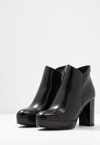 Tamaris - High Heel Stiefelette - black - 4