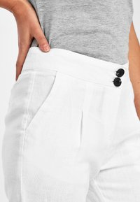Next - WHITE 100% LINEN TAPER TROUSERS - Trousers - white - 2