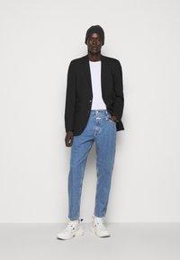 CLOSED - XLENT - Slim fit jeans - salt pepper - 1