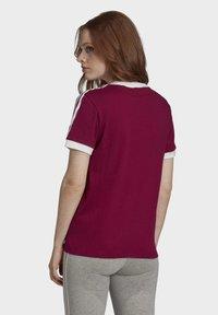 adidas Originals - T-Shirt print - power berry/white - 1