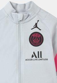 Nike Performance - PARIS ST GERMAIN SET UNISEX - Club wear - pure platinum/black/hyper pink - 3