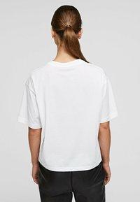 KARL LAGERFELD - Basic T-shirt - white - 2