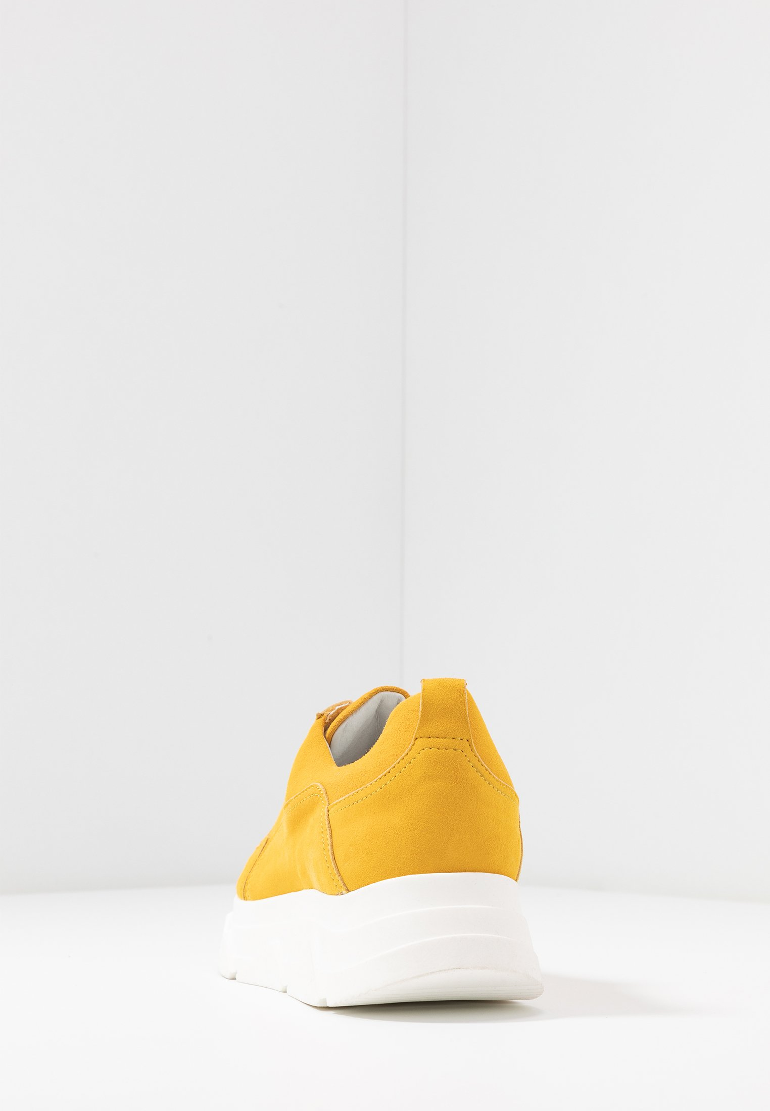 Apple of Eden DIVA - Joggesko - yellow