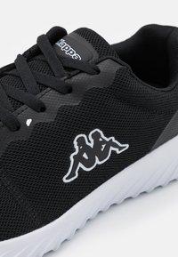 Kappa - CES NC UNISEX - Zapatillas de entrenamiento - black/white - 5