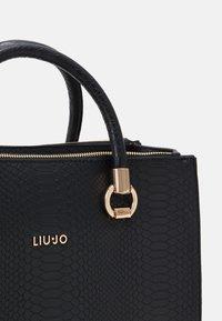 LIU JO - SATCHEL DOUBLE ZIP - Handbag - nero - 3