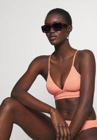 ONLY - ONLKITTY SET - Bikini - red clay/cloud dancer - 3