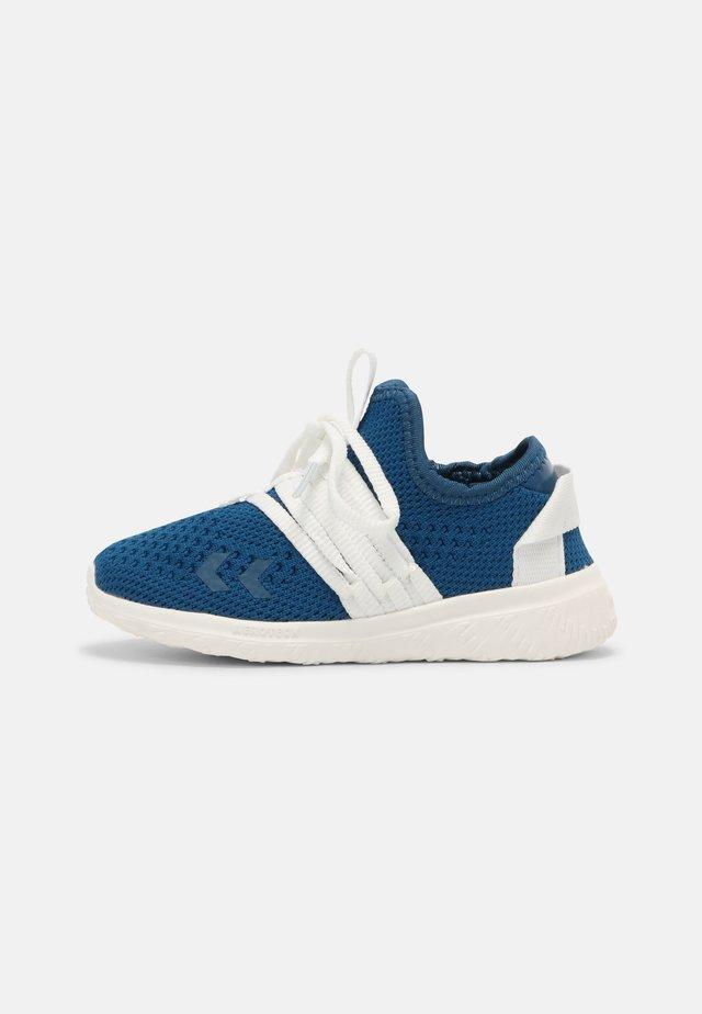 JUMP RECYCLE - Sneakers laag - mykonos blue