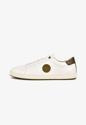 ASTER F4G - Sneakersy niskie - light brown, white