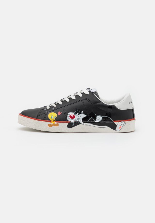 FLIPS BLACK TWEETY AND SILVESTRO - Sneakers laag - black