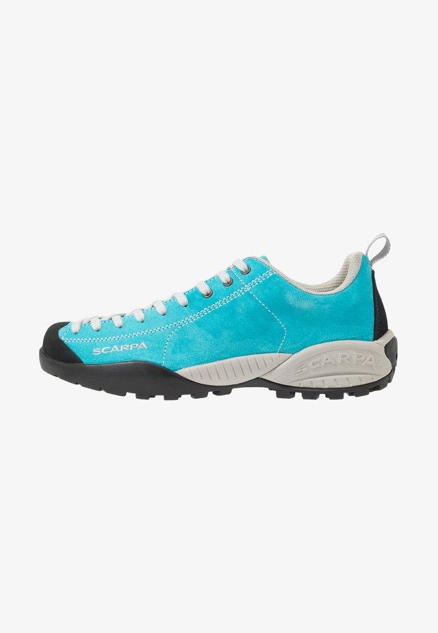 MOJITO UNISEX - Chaussures à scratch - azure fluo