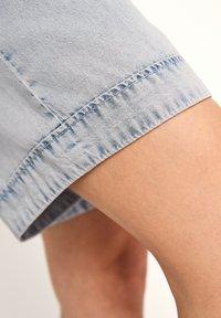 comma - Denim shorts - light blue - 6