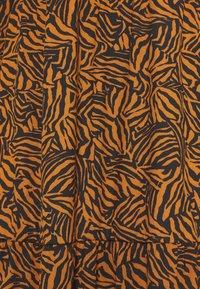 New Look Tall - MIA ZEBRA MIDI SMOCK - Jersey dress - brown - 2
