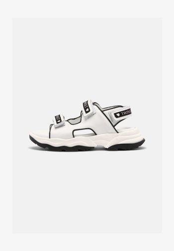 Sandaler - off white